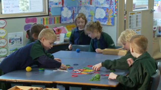 school-children-using-spielgaben